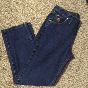 """20X Ladies cowgirl jeans 9/10 x 30""""."""